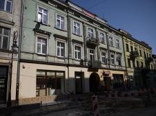 Sur la rue principale