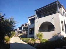 Maisons chambres et bâtiment principal