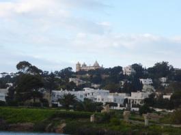 La vue du port sur la cathédrale