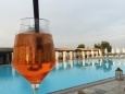 Premier Spritz au bord de la piscine !