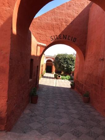 Santa Catalina : Silencio