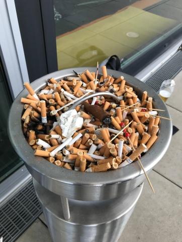 Les fumeurs sur la terrasse
