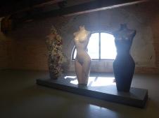 Expo Damien Hirst collection de bustes féminins