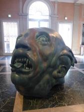 Expo Damien Hist Démon et sa tête