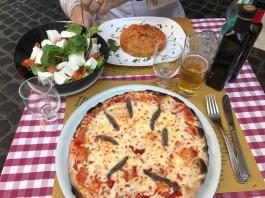 Cliché ?? Pizza Risotto tomates mozzarella ;o)
