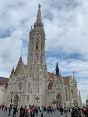 L'église Mathias (Matyas Templom