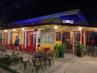 Un bar dans Marigny