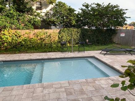 piscine en bas !