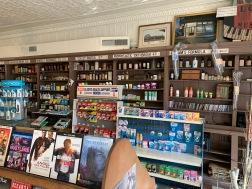 la pharmacie de Royal Street