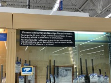 Stand d'armes supermarché